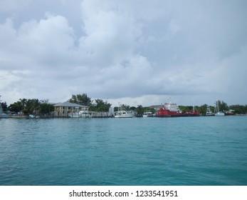 Bimini blue water, blue sky