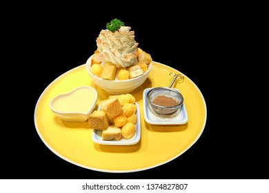 bingsu toast ice dessert korea isolated background with clipping path