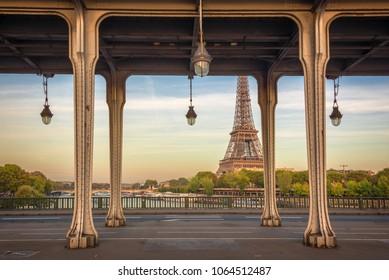 Bir Hakeim bridge, Eiffel tower in the background, Paris France
