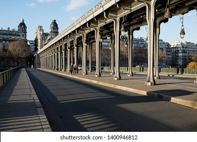 Bir Hakeim bridge, one of the many famous architectural icons in Paris. Art Deco style, known for being shown in many Hollywood films, such as Inception.