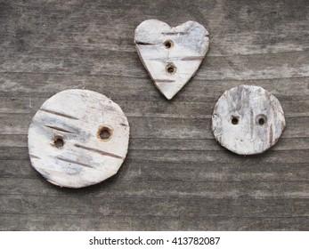 Birch bark buttons