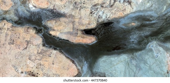 bird of ill omen, polluted desert sand,tribute to Pollock, abstract photography of the deserts of Africa from the air, aerial view, abstract expressionism, contemporary photographic art