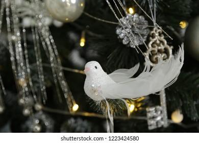Birdie decor on wood