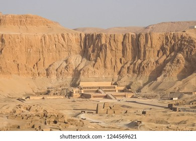 A bird's eye view of the ancient Egyptian sights and terrain