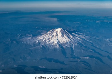 A Bird's Eye View of Mount Rainier (4,392 m) seen from AC569