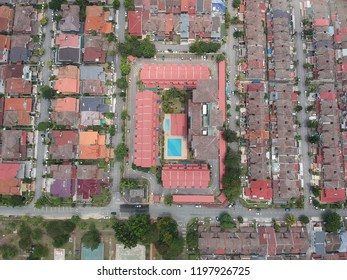 birds eye view of suburban housing