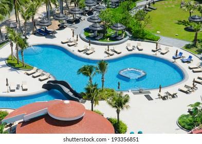 Bird's eye view of swimming pool in hotel.
