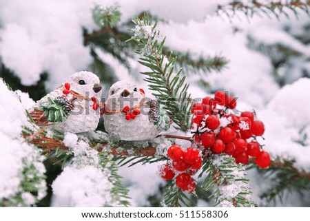 birds on christmas tree snow red berries outdoor - Outdoor Christmas Tree Decorations For Birds