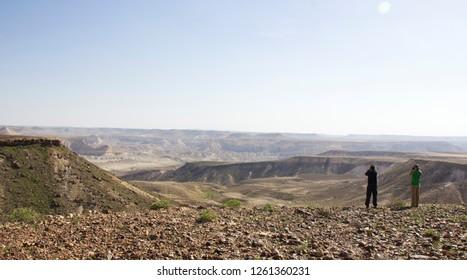 Birdwatching in Sde Boker / Israel