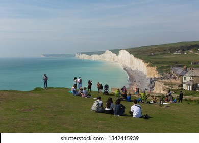 BIRLING GAP, EAST SUSSEX, ENGLAND, UK-APRIL 21ST 2018: Beautiful spring weather was enjoyed by weekend visitors to Birling gap beach near Seven Sisters, East Sussex, on Saturday 21st April 2018