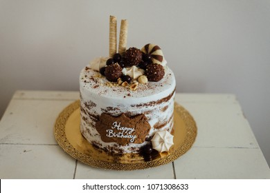 Biscuit naked cake