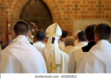Bishop goes to Mass in the church