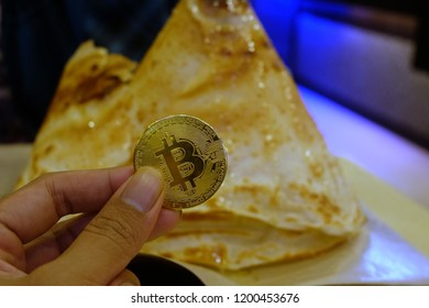 Bitcoin been used to pay a delicious food in a restaurant. Bitcoin will be use for transaction worldwide by 2020.