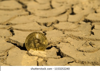 Bitcoin crypto currency hitting bottom dry support