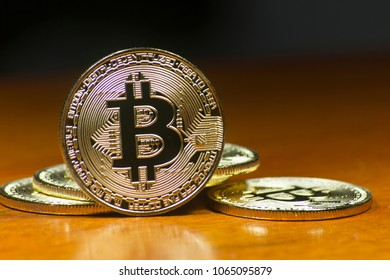 Bitcoin - virtual currency that is successful in the financial market