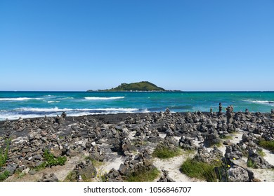 Biyangdo, located off the coast of Hyeopjae beach in Hallim-eup. It is the last formed volcanic island in Jeju. It is a popular destination for hiking, photography, and fishing.