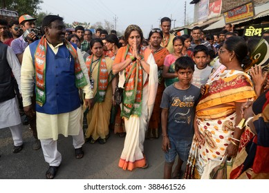 BJP West Bengal Mohila Morcha leader Rupa Ganguly along with the others party member on the occasion of rally organized by BJP women wing Kamduni to Kakdwip on February 12, 2016 in Kakdwip, India.