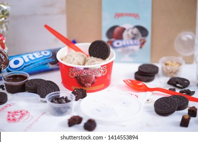 BKK - Jun 3, 2019 : Swensens ice cream for take home with Oreo toppings, brownies, peanuts & chocolate sauce. Swensen's is a global chain of ice cream restaurants, started in San Francisco since 1948.