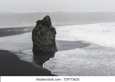 Black beach at Reynisdrangar, Vik, Iceland / wave