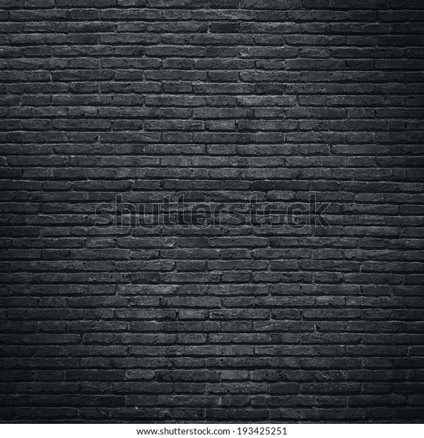Schwarze Ziegelwand
