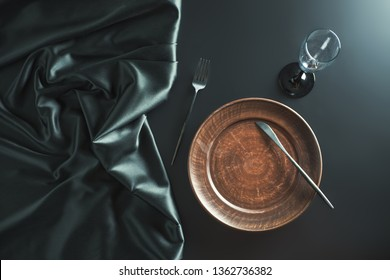 Black cloth and tableware