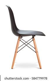 Schwarzer Farbstuhl, moderner Designer. Stuhl einzeln auf weißem Hintergrund. Möbelserie
