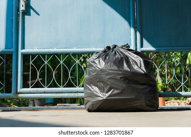Black garbage bag for the environment In a house