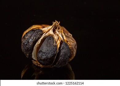 black garlic in black
