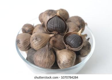 black garlic in a bowl