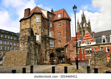 The Black Gate and the cathedral church of St. Nicholas. Newcastle upon Tyne, England
