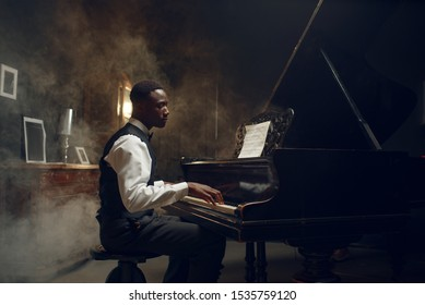 Black Grand Piano Player, Jazzaufführung