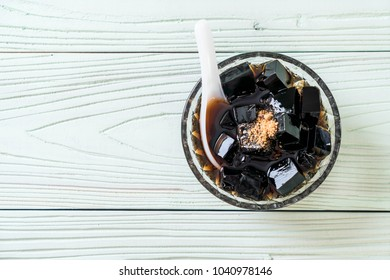 black grass jelly in bowl