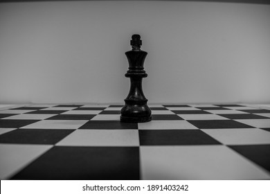 Black king in the middle of the board