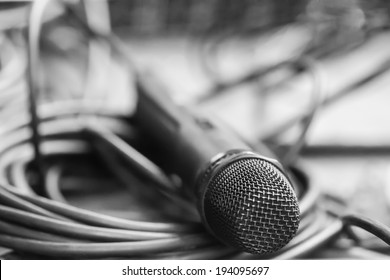 Black microphone with black wire