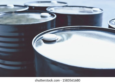 Black Oil Barrels or Steel Industrial Chemical Drums for Petrochemical Industry
