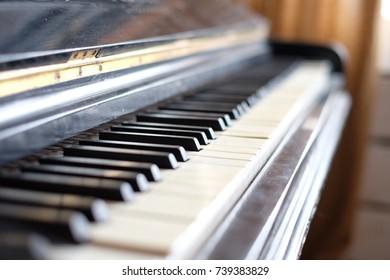 black old piano