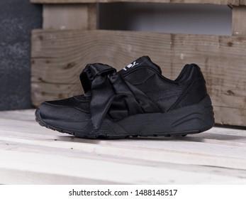 Black Puma X Fenty Rihanna Bow Stock