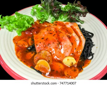 Black spaghetti spicy sauce with ham and hydroponic vegetable for health