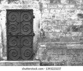 black and white abstrakt door and bridge