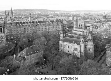 Black and white aerial view of Edinburgh with parish Church of St Cuthbert