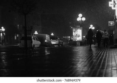 black and white blurred city