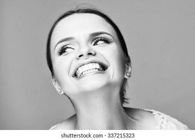 Black and white emotional portrait of a beautiful fashion girl, sweet and sensual.