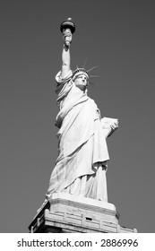 Black & White Image of the Statue of Liberty