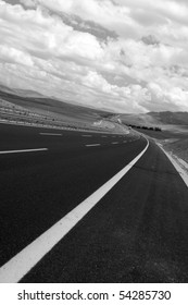 Black and white images of highway