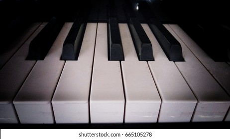 Black and white key piano, note, music