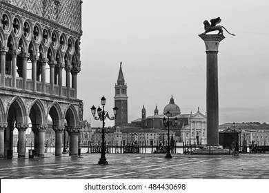 10x8ft Saint Mark Square Photo Photography Background Viceroys Palace of Venice Black and White Photographic Background Travel Wedding Lovers Adult Portrait Studio Prop Home Decoration