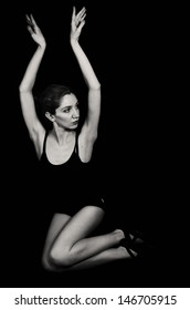 Black and white photo of woman dancer