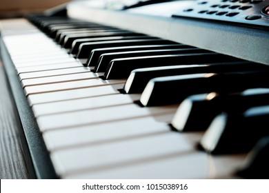black white piano