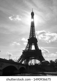 black and white picture of eiffel tower