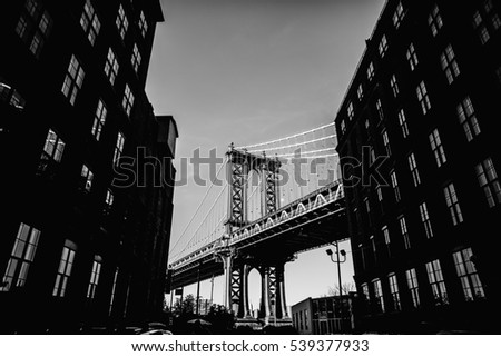 Black and white picture of Manhattan bridge